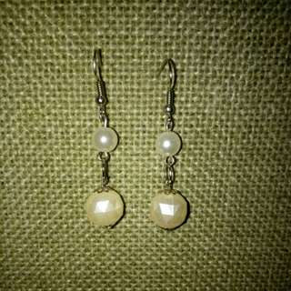 Pearl Dangling Earrings