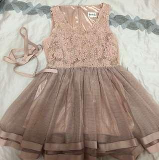 🚚 婚禮約會粉系甜美洋裝(附腰帶)