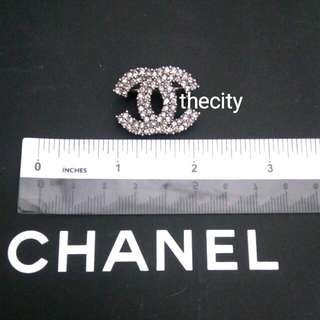 AUTHENTIC CHANEL BROOCH - IN CLASSIC SIGNATURE CRYSTAL CC LOGO