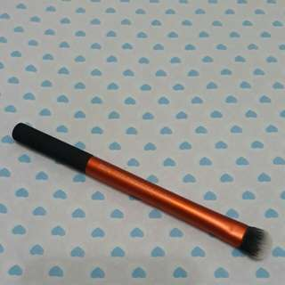 Real Techniques Expert Concealer Brush