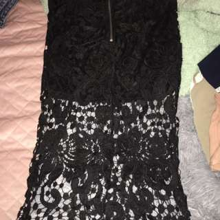 Black laced skirt
