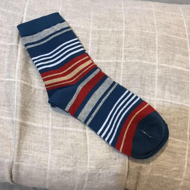 條紋中高筒襪子
