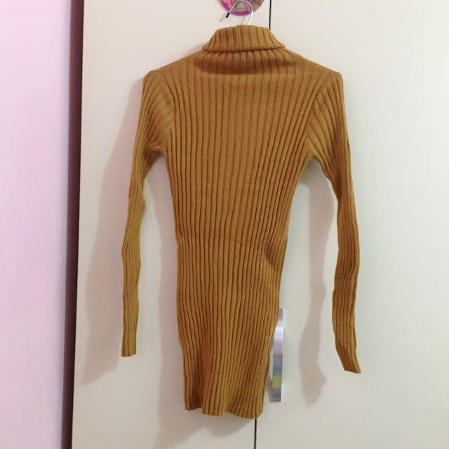 彈性土色高領毛衣
