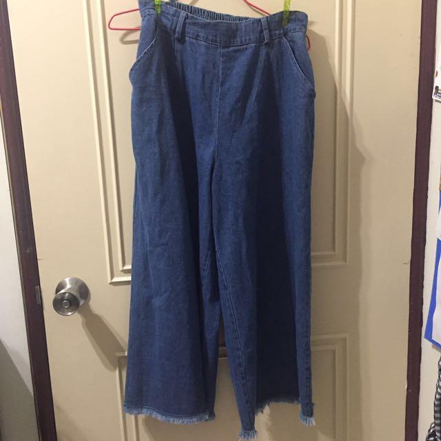 牛仔寬褲(下擺抽鬚)#兩百元丹寧