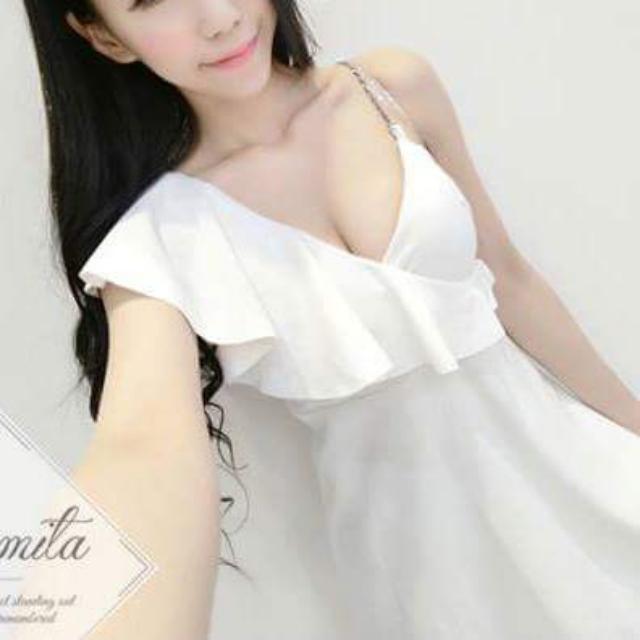(全新)挺布料白色水鑽肩帶洋裝