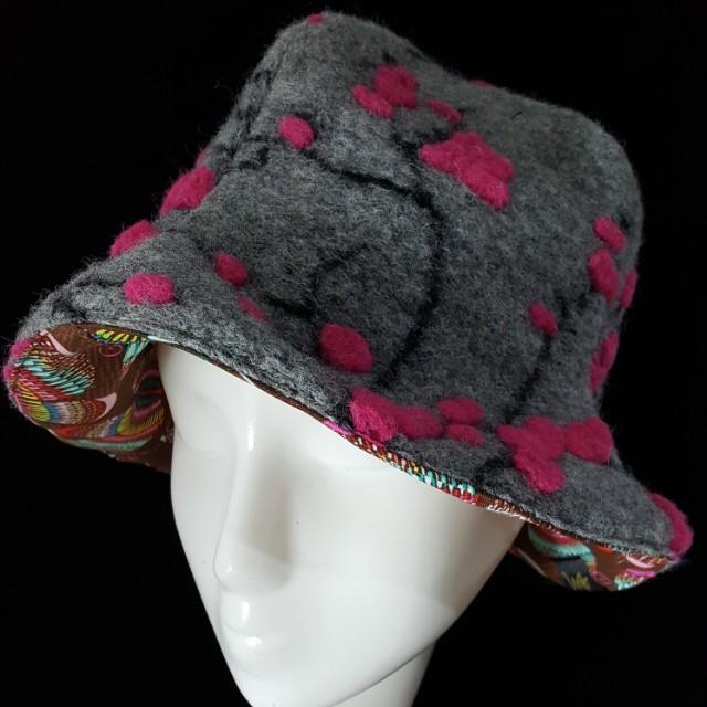 手作 櫻花羊毛氈造型四片帽 修飾肉肉臉極佳