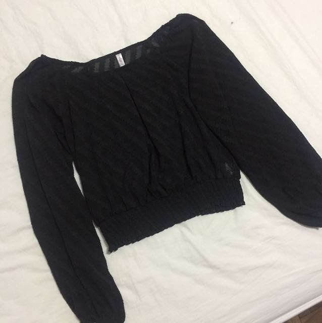 Black semi see thru longsleeves top