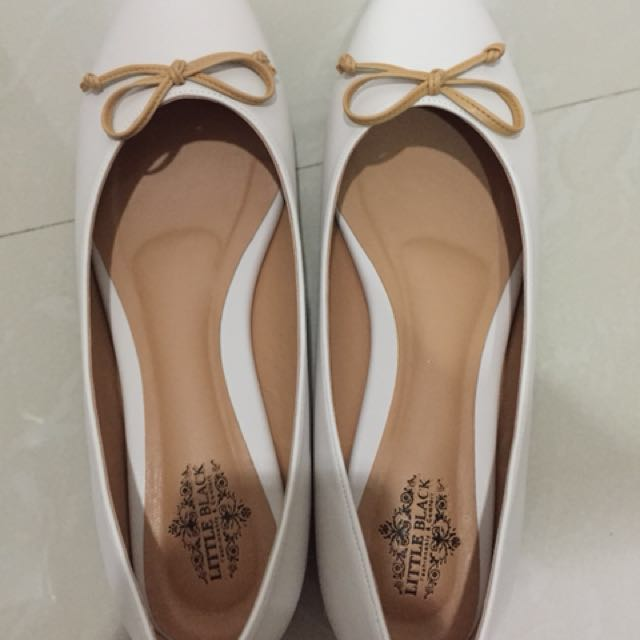 Brand new flat shoes