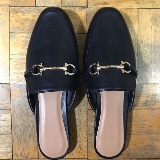15de3dc8418 Brand new Gucci inspired mules on Carousell