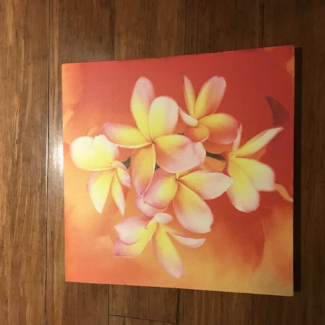 Canvas painting frangipani