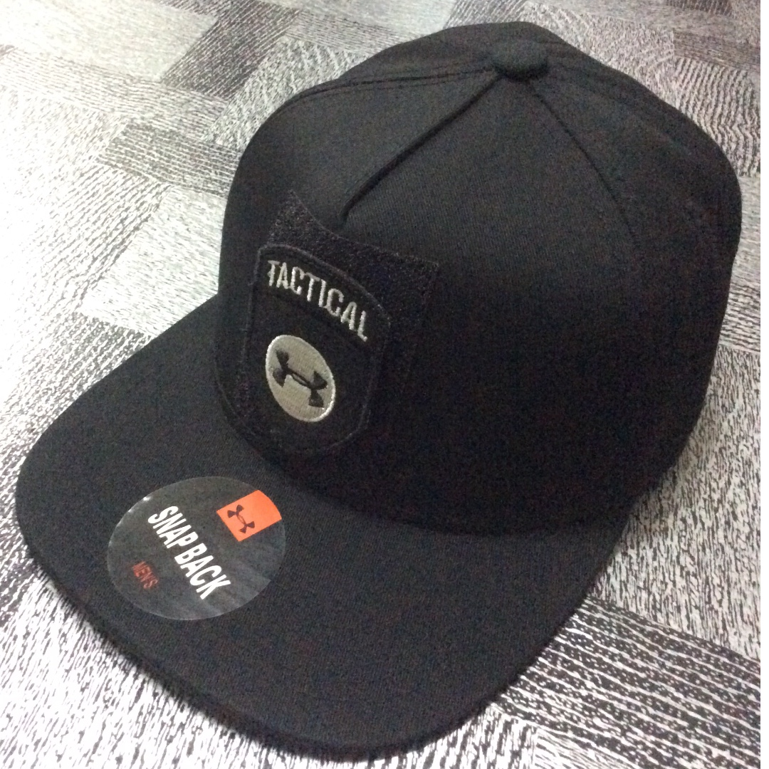 Cap topi UNDER ARMOUR Tactical black snap back, Men's Fashion, Accessories on Carousell