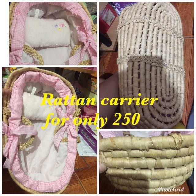 Carratan carrier for doll