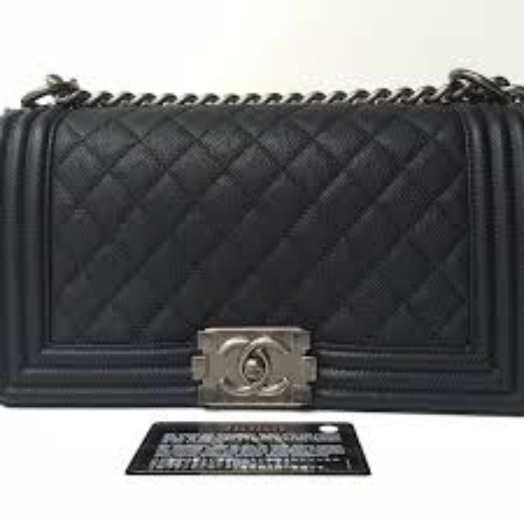 dd6dff8d01d5 Chanel Boy Old Medium (Caviar, Ruthenium Hardware), Luxury, Bags & Wallets  on Carousell