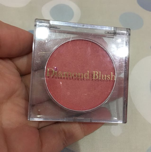 DIAMOND BLUSH
