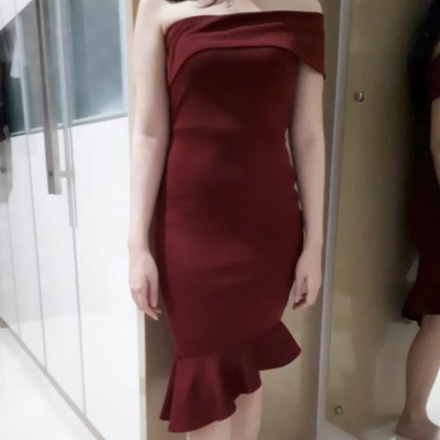 Dress maroon