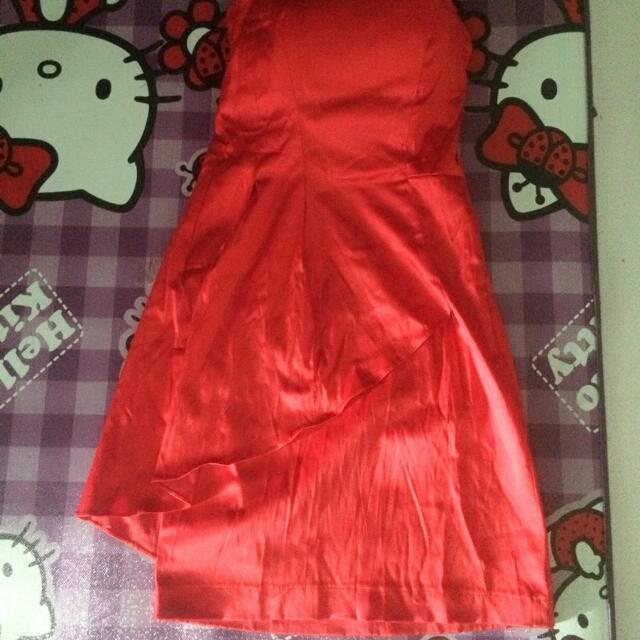 Dress Merah Mewah