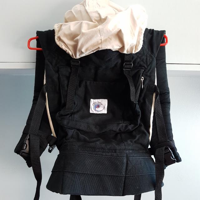 ERGOBABY 3 POSITION BABY CARRIER 7-18kg ALL HARDWARE AND FABRIC IN VERY GOOD CONDITION WITH BOX front, back and hip carrier