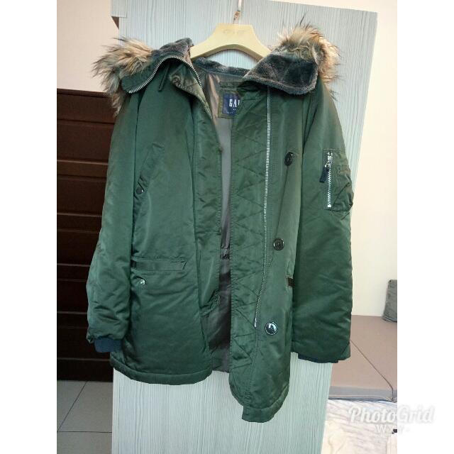 Gap軍綠保暖外套