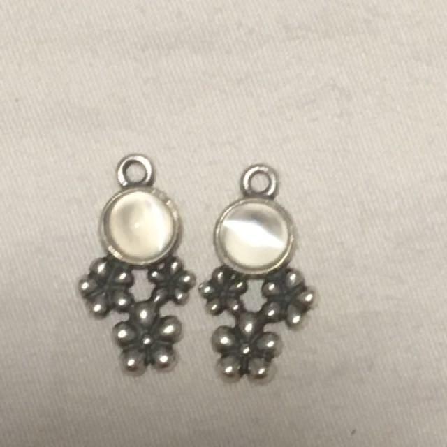 Genuine Pandora compose earrings