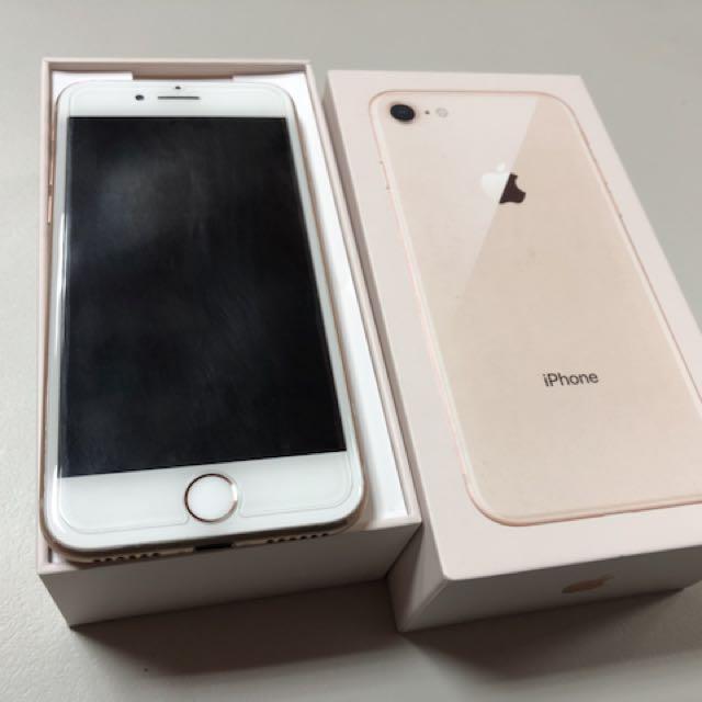 iPhone 8金64G
