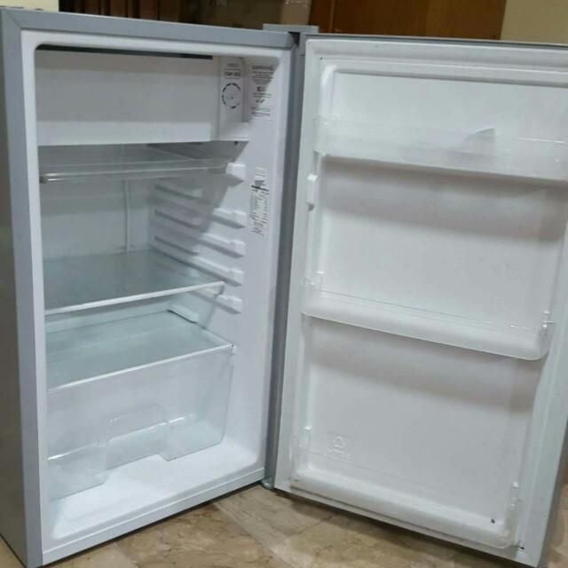 Kelvinator Personal Refrigirator