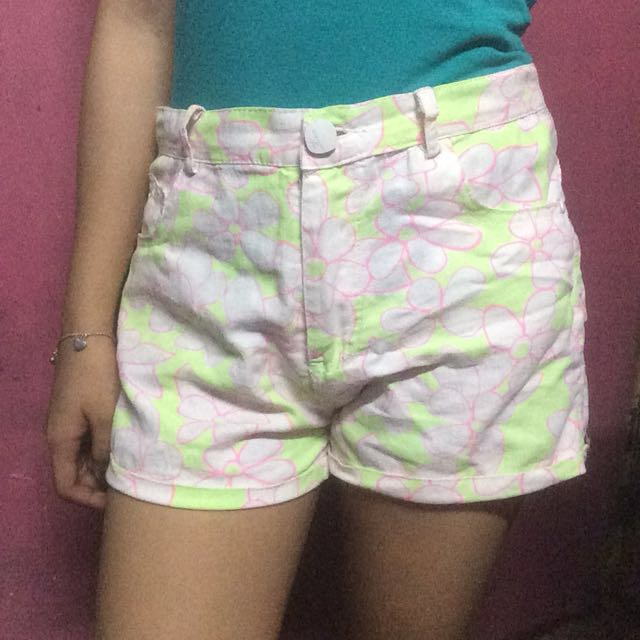 Kirin-Kirin Highwaist Shorts