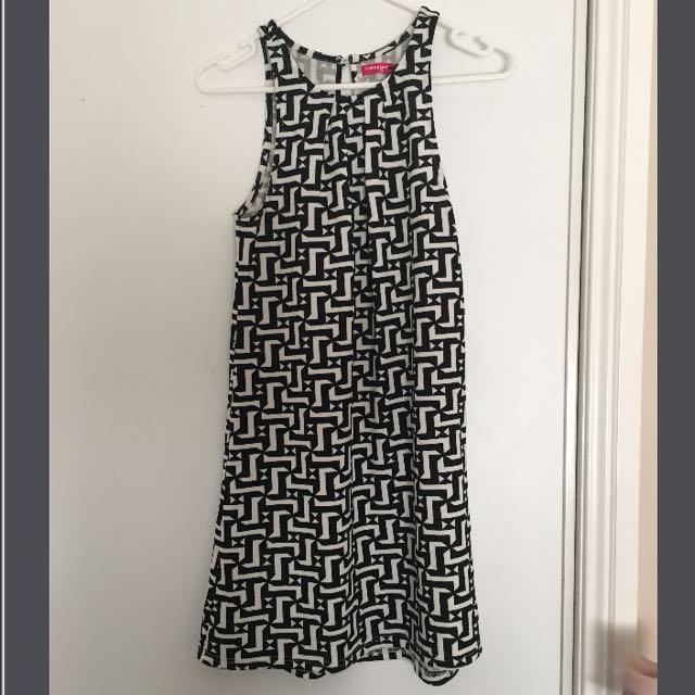 Ladies Black And White Print Dress