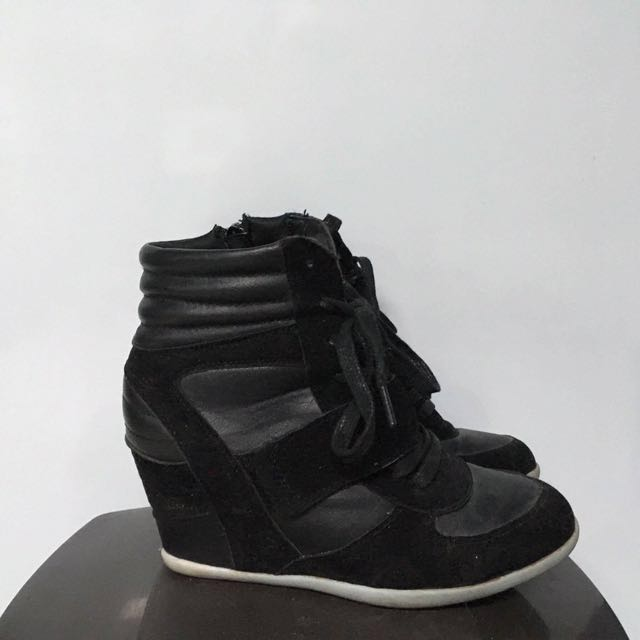 Le Chauteau Wedged Black Sneakers