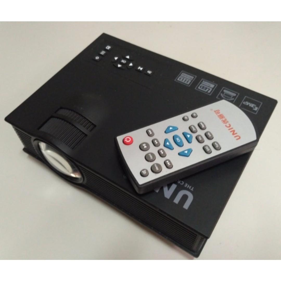 LED Mini Projector 迷你投影機