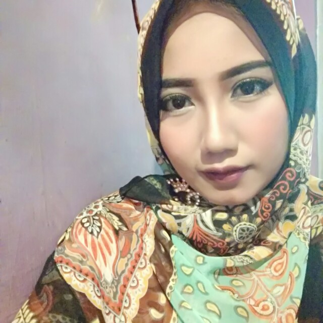 makeup wisuda, party