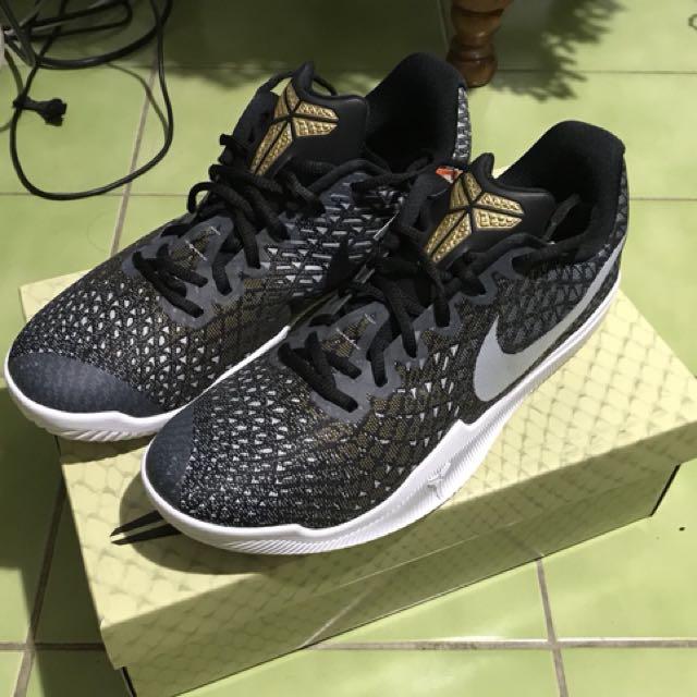 Nike kobe instinct 練習鞋 us11 籃球鞋 adidas