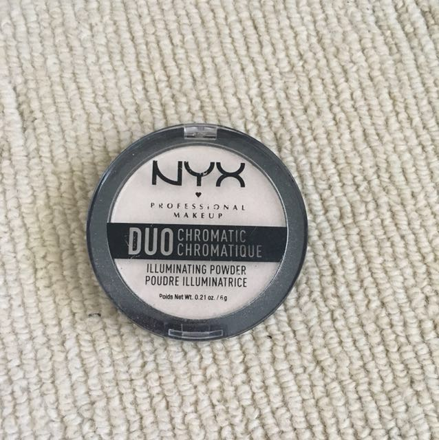 NYX duo chrome highlighter