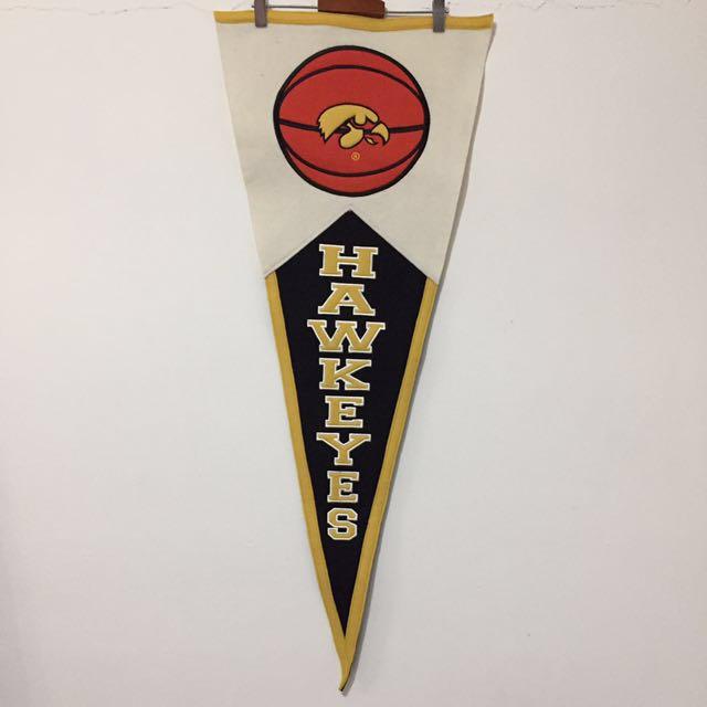 美國Officially Licensed Collegiate Products70%羊毛刺繡愛荷華大學鷹眼隊Iowa Hawkeyes 三角旗幟winning streak美式運動風格擺飾