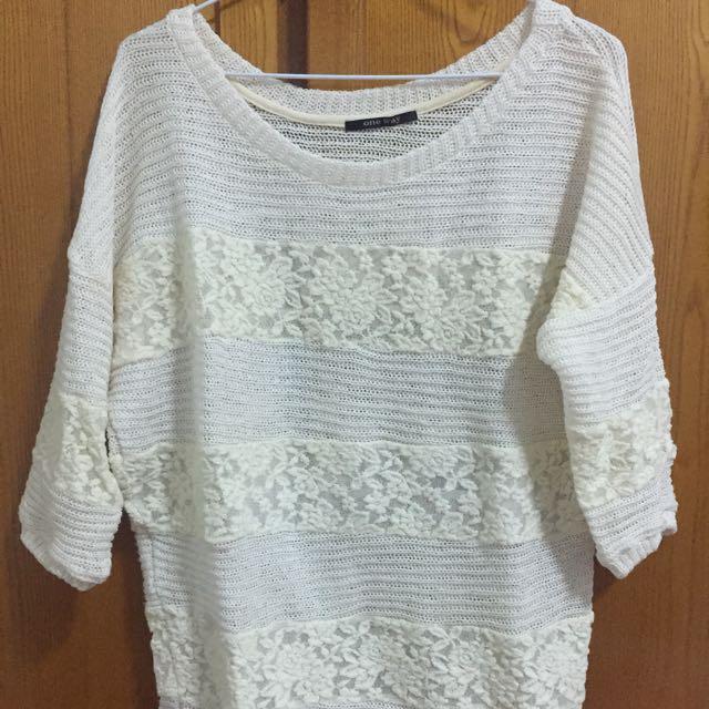九成新日牌one way白色針織蕾絲七分袖長版上衣