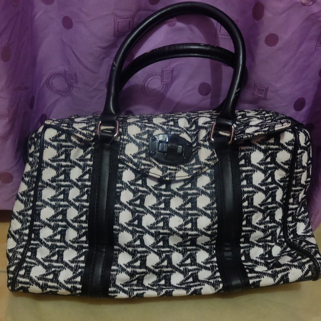 Parfois black and white hand bag