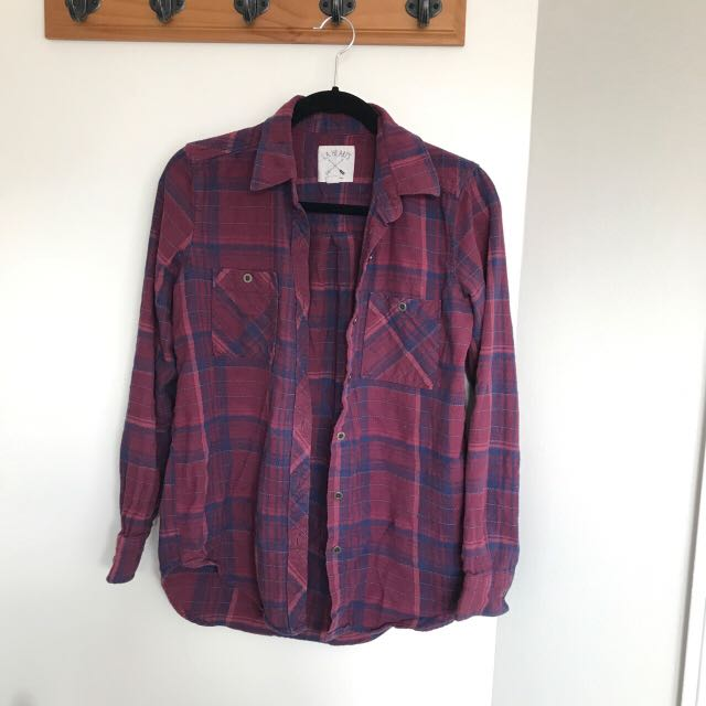 PLAID FLANNEL SIZE SMALL