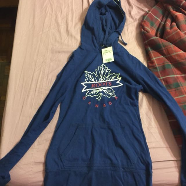 Roots 藍色上衣s