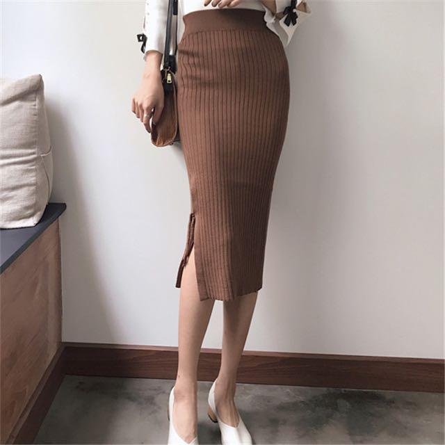 Side slit tie skirt