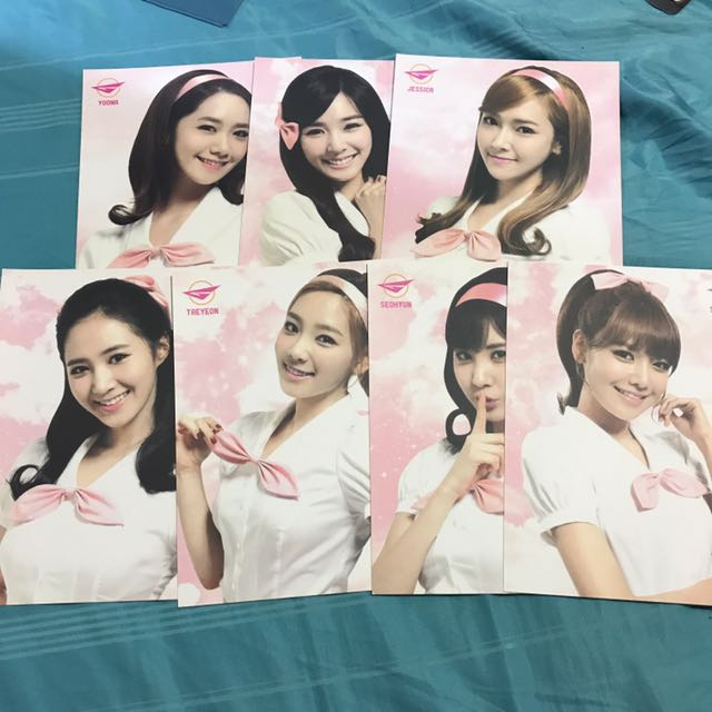SNSD GIRLS & PEACE WORLD TOUR OFFICIAL POSTCARD