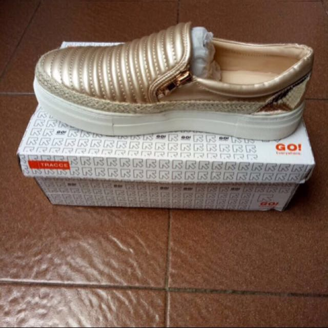 Tracce slip on shoes