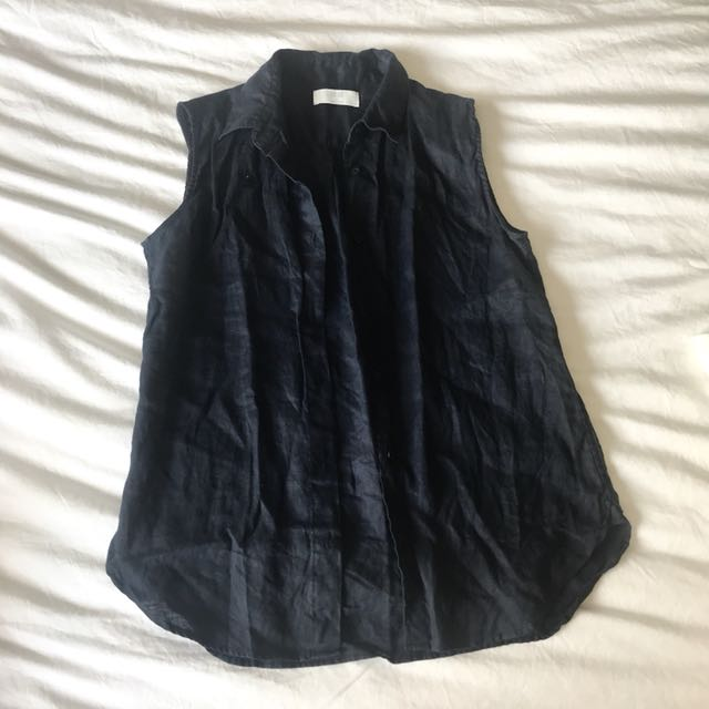 Uniqlo navy linen sleeveless button down