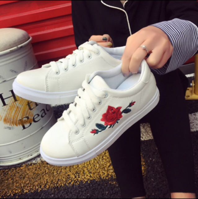 White shoes with rose