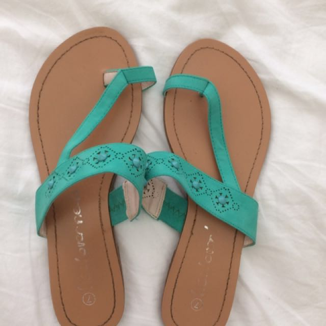 Woman's Sandles Size 7