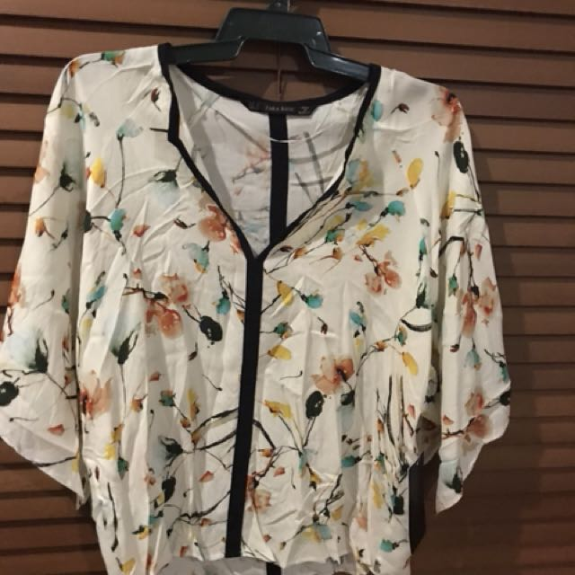 Zara Floral Top Size Small