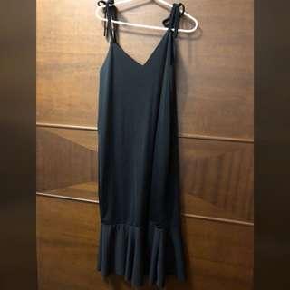 🚚 魚尾吊帶洋裝