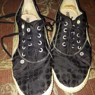 Sepatu puma size 40 fit 41