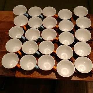 25 Mugs