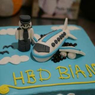 Kue Ulang tahun anak tema pilot atau pesawat