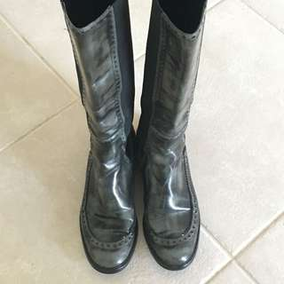Authentic Gucci leather boots size 38