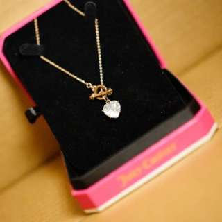 Heart pendant neclace from juicy couture